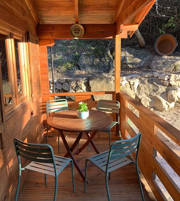 Porche de Madera - Cabaña Maia